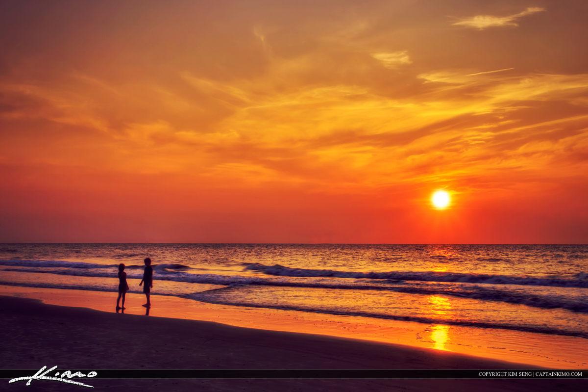 Tybee Island Savannah Georgia Sunrise Beach Kids Playing