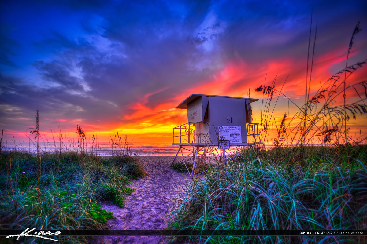 Sunrise at Hobe Sound Beach in Jupiter Island Florida