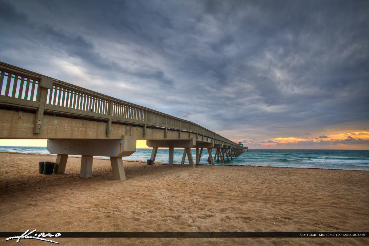 Sunrise at Deerfield Beach at the International Fishing Pier