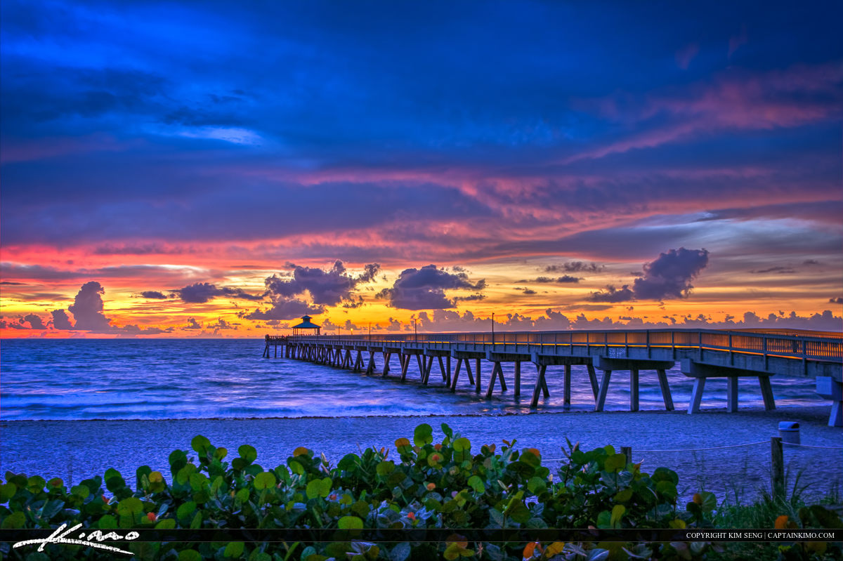 Deerfield Beach Fishing Pier During Cool Sunrise