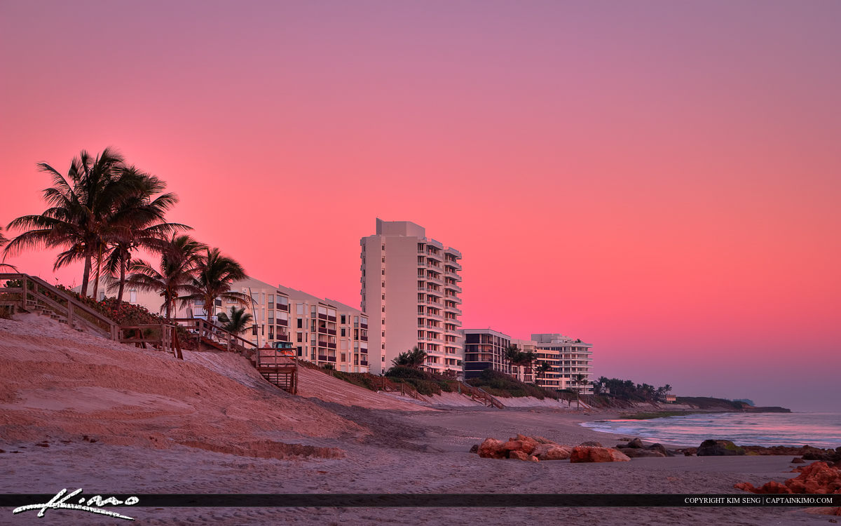 Florida Beach Living at Jupiter Island with Pastel Color Sky