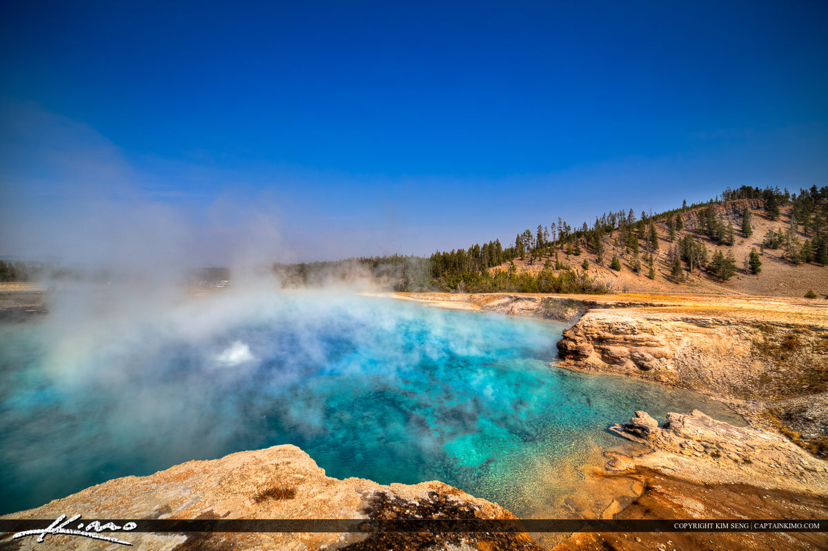 Excelsior Geyser at Midway Basin in Yellowstoen National Park