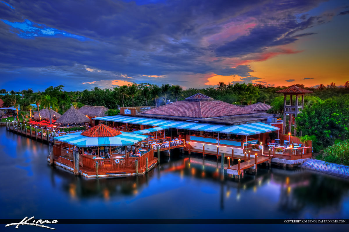Waterway Cafe Restaurant on Intracoastal Palm Beach Gardens