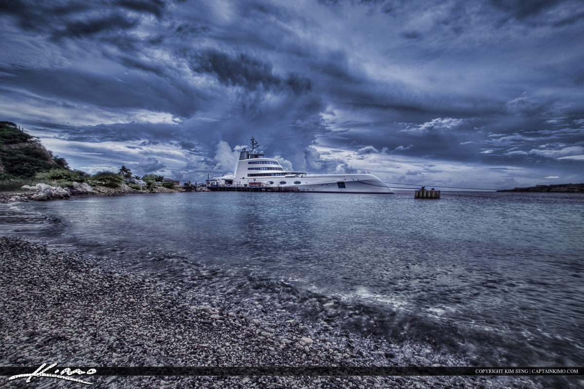 Mega Yatch Curacao Island