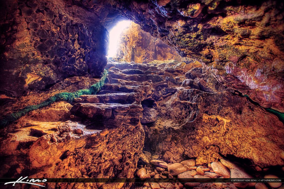 Underwate Rock Cave Curacoa