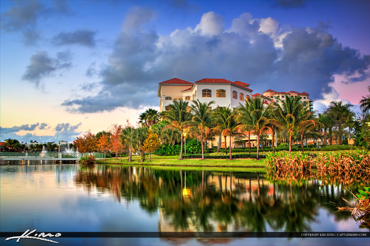 Downtown Palm Beach Gardens along the Lake