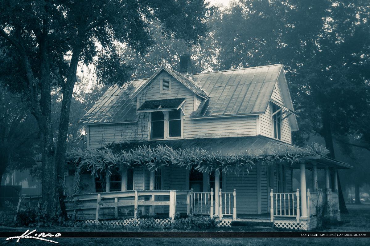 Old House Foggy Morning Zephyrills Florida