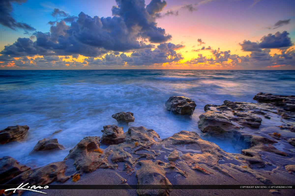 Beauitful Sunrise at Carlin Park Beach Jupiter