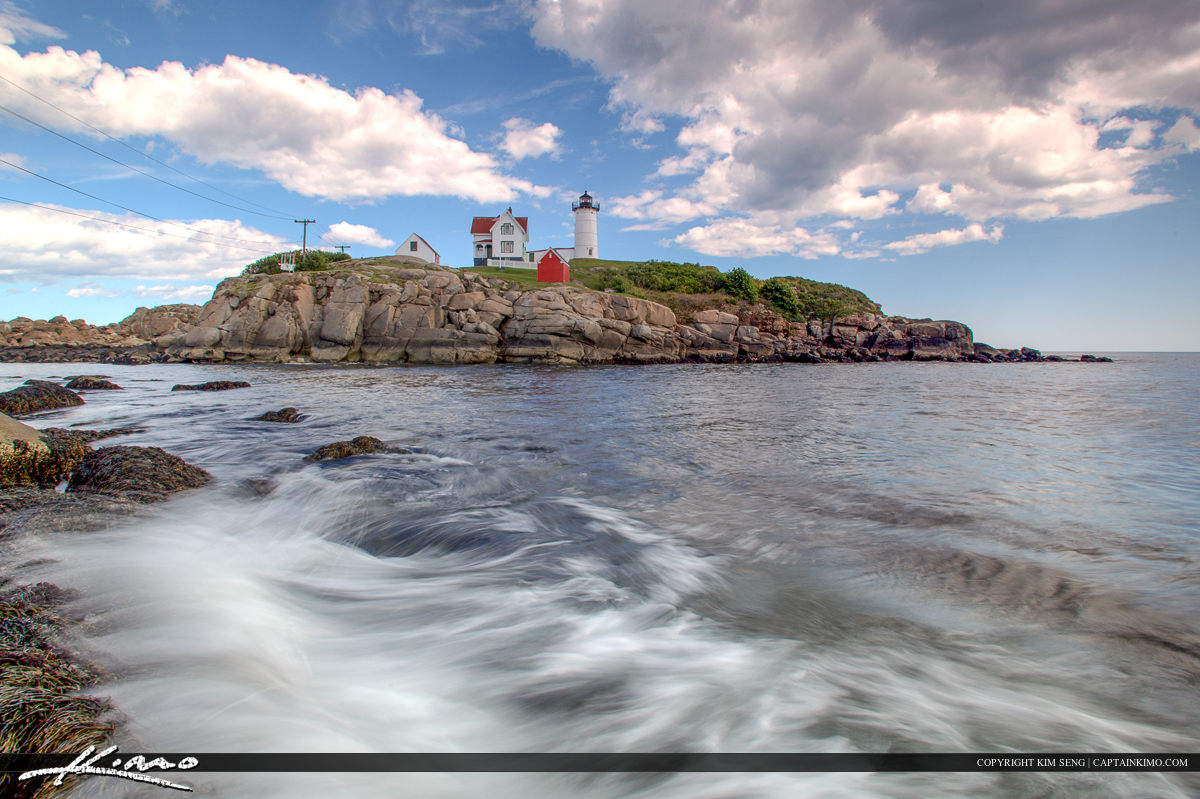 Beautiful wave Cape Neddick Lighthouse