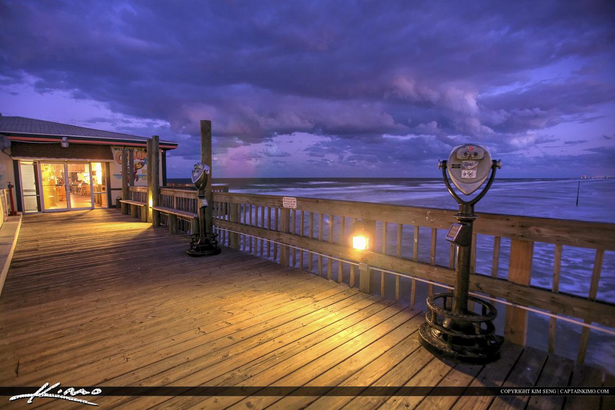Daytona Beach Shores Crabby Joe's Deck & Grill Looking Glass at