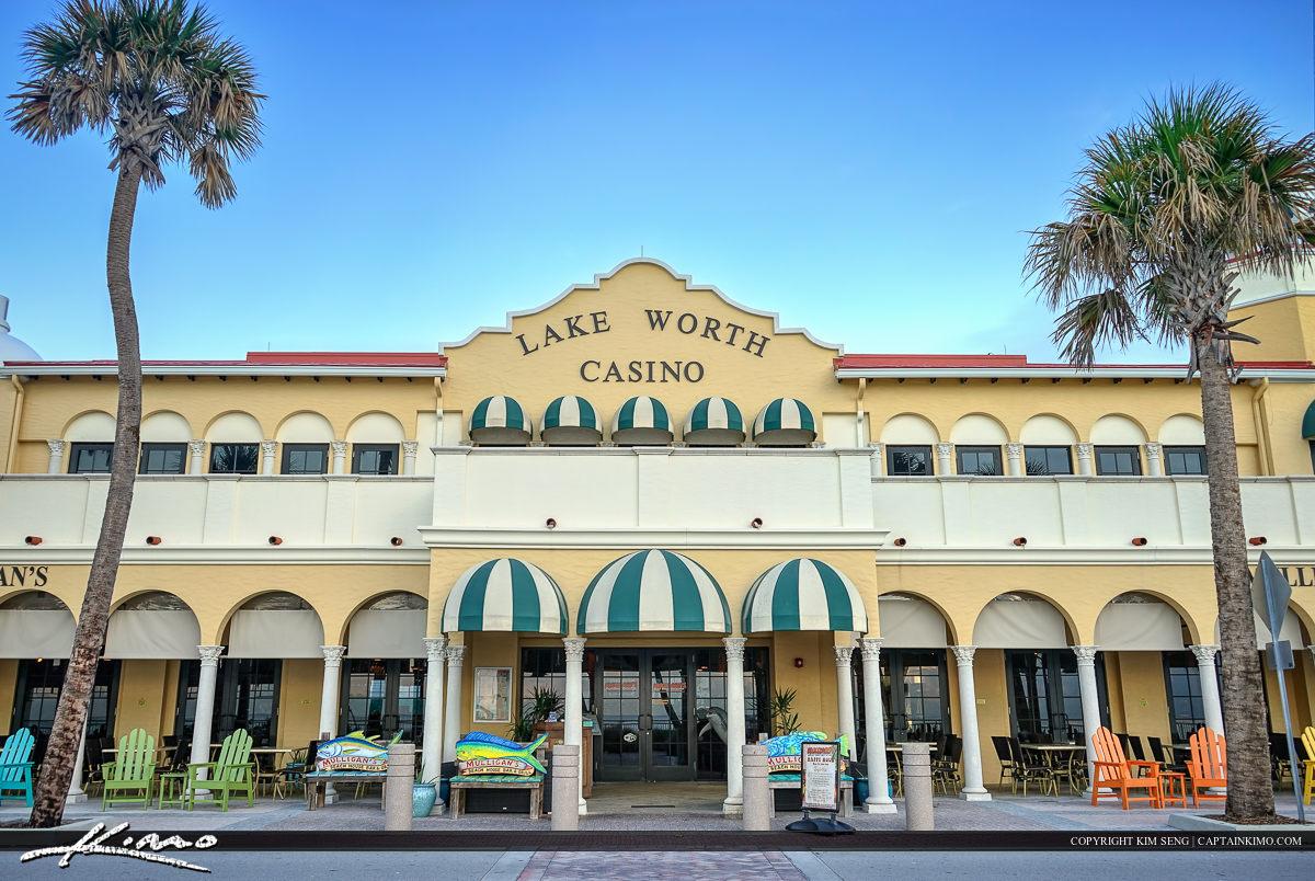 Lake Worth Casino Shopping and Restaurant