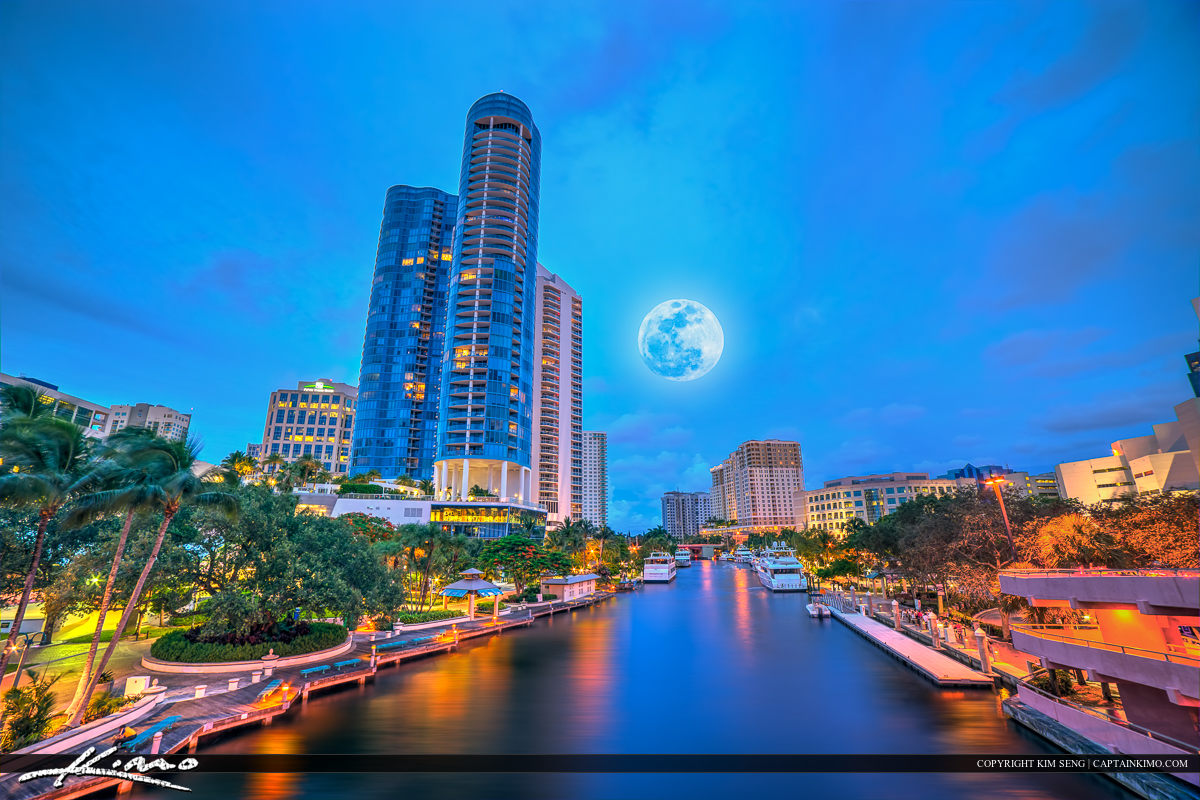 New River Fort Lauderdale Moon Rise Cityscape Skyline