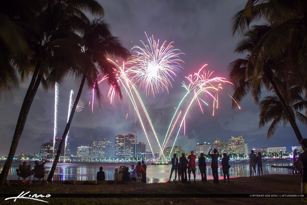 West Palm Beach Fireworks New Years People Watching