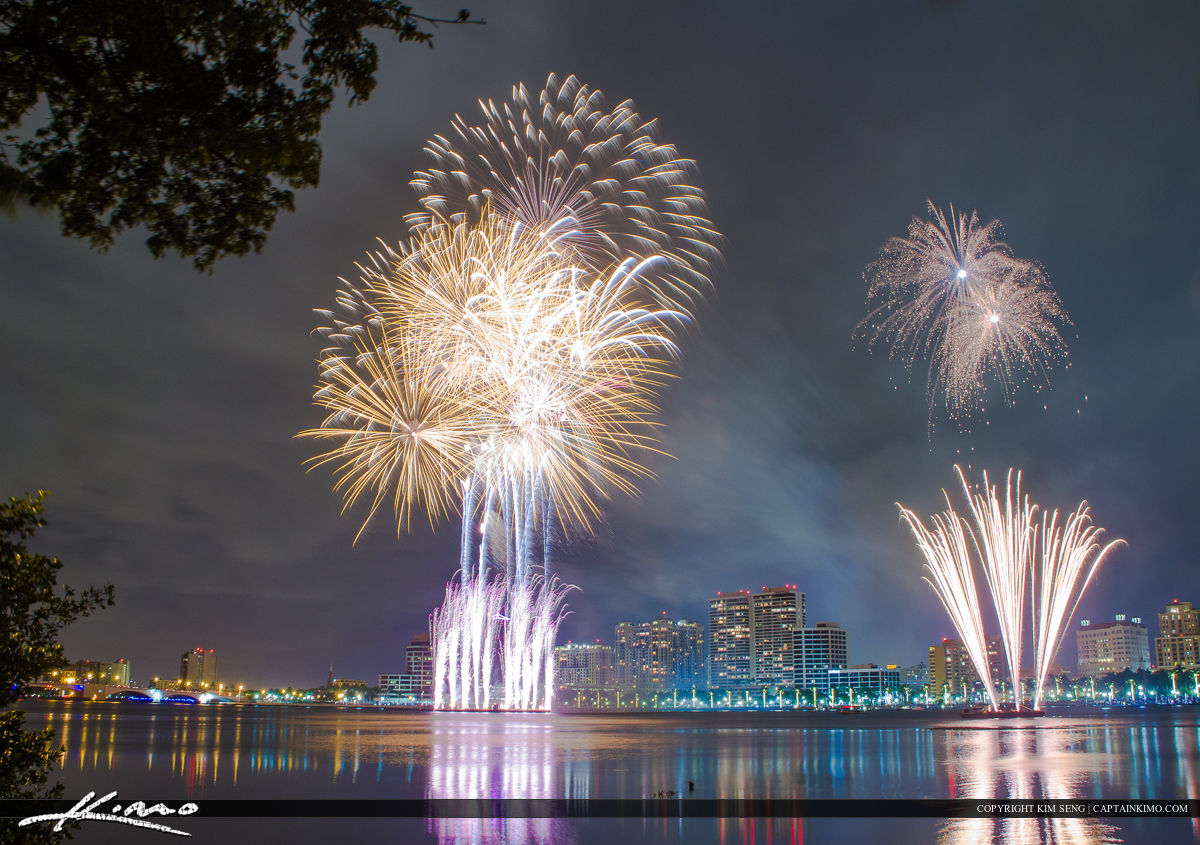 West Palm Beach Fireworks New Years Beautiful Display
