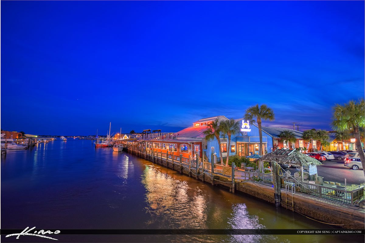 Pinchers Crab Shack Riverwalk Naples Florida at Marina