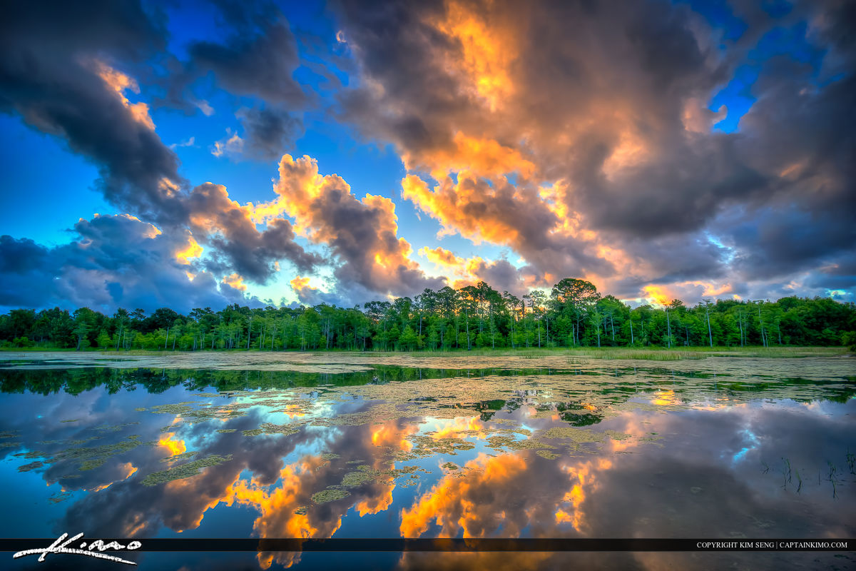 Riverbend Park Lake at Sunset with Clouds