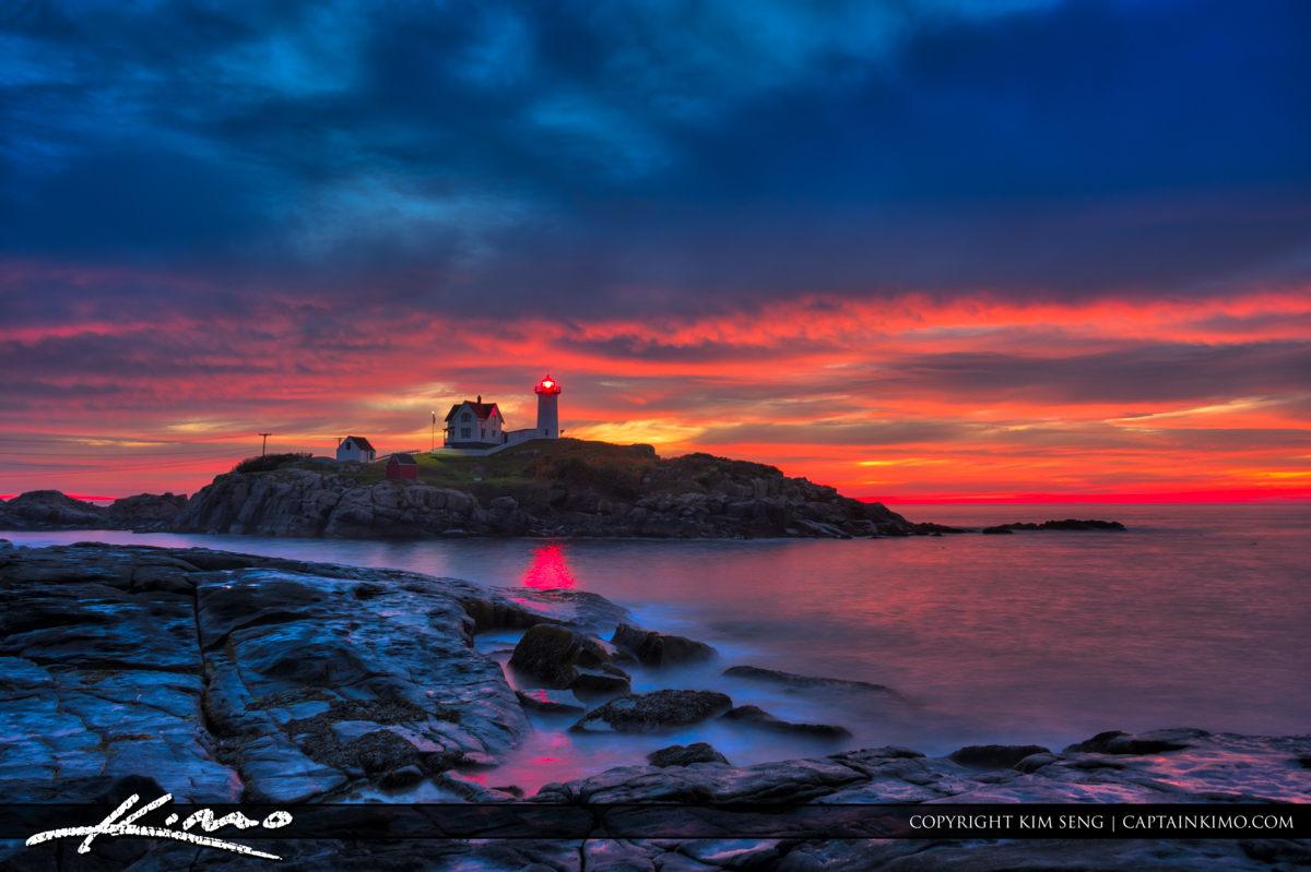 Nubble Lighthouse Sunrise Purple Sky Aurora