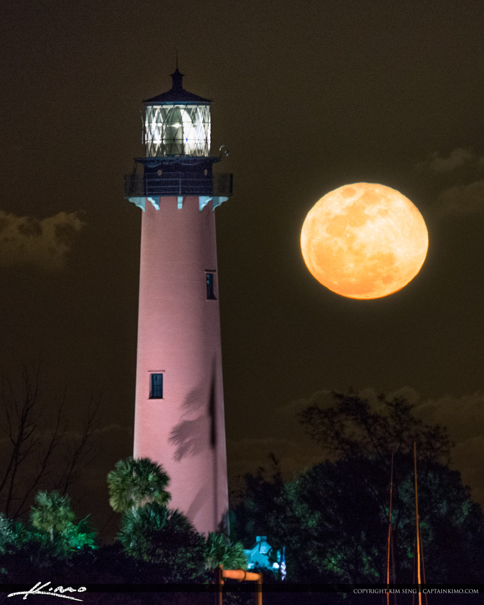 Jupiter Inlet Lighthouse and Museum Full Moon Rise