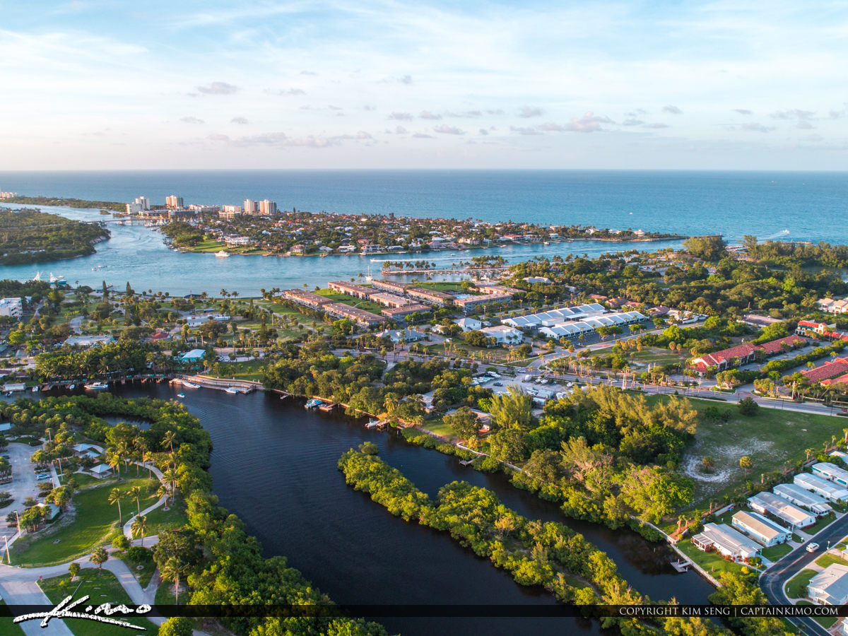 Jupiter Florida Looking at the Jupiter Inlet