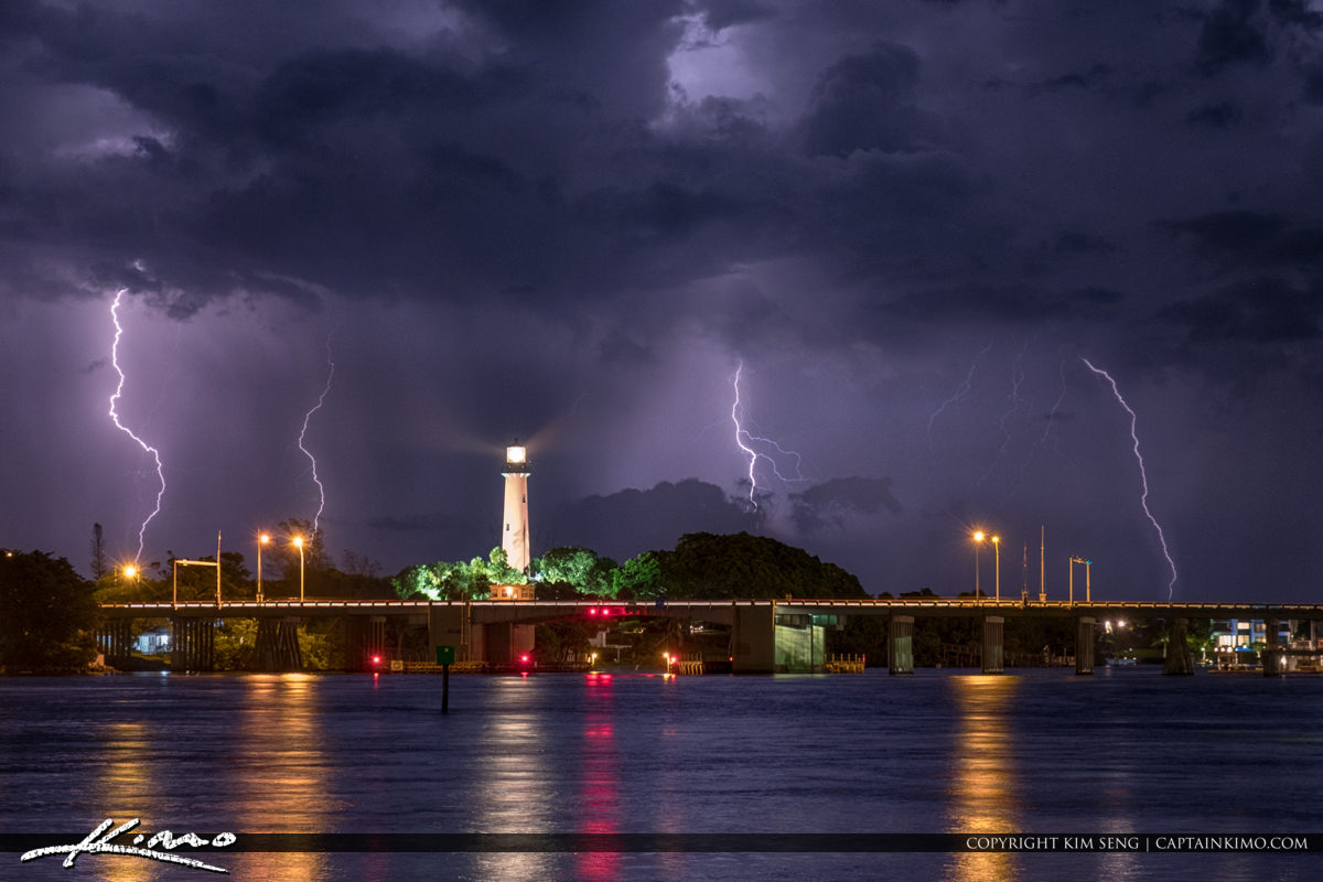 Jupiter Lighthouse Lightning from Sawfish Bay Park