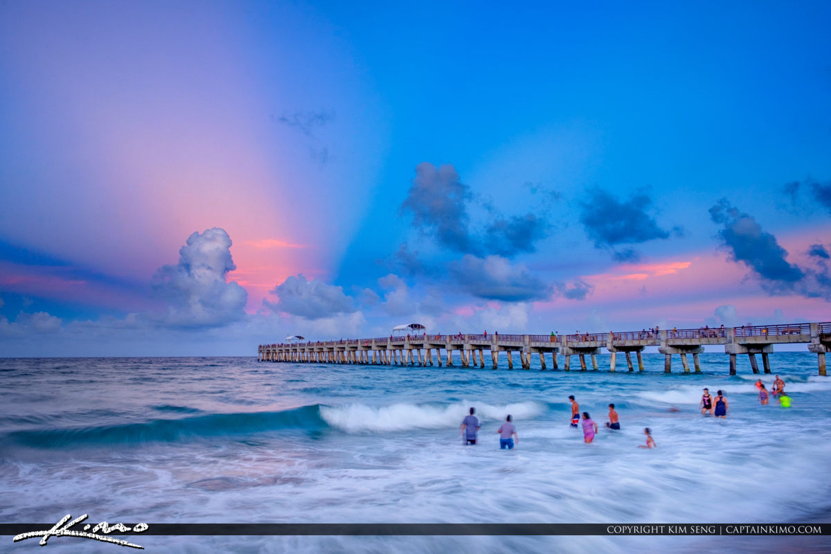 Antisolar Rays Lake Worth Pier Before Full Moonrise