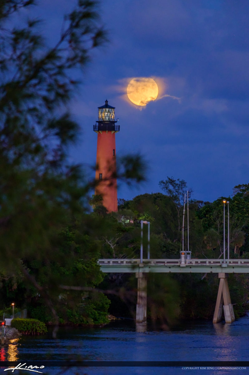 Last Night Full Moon Rise Jupiter Lighthouse US1 Bridge