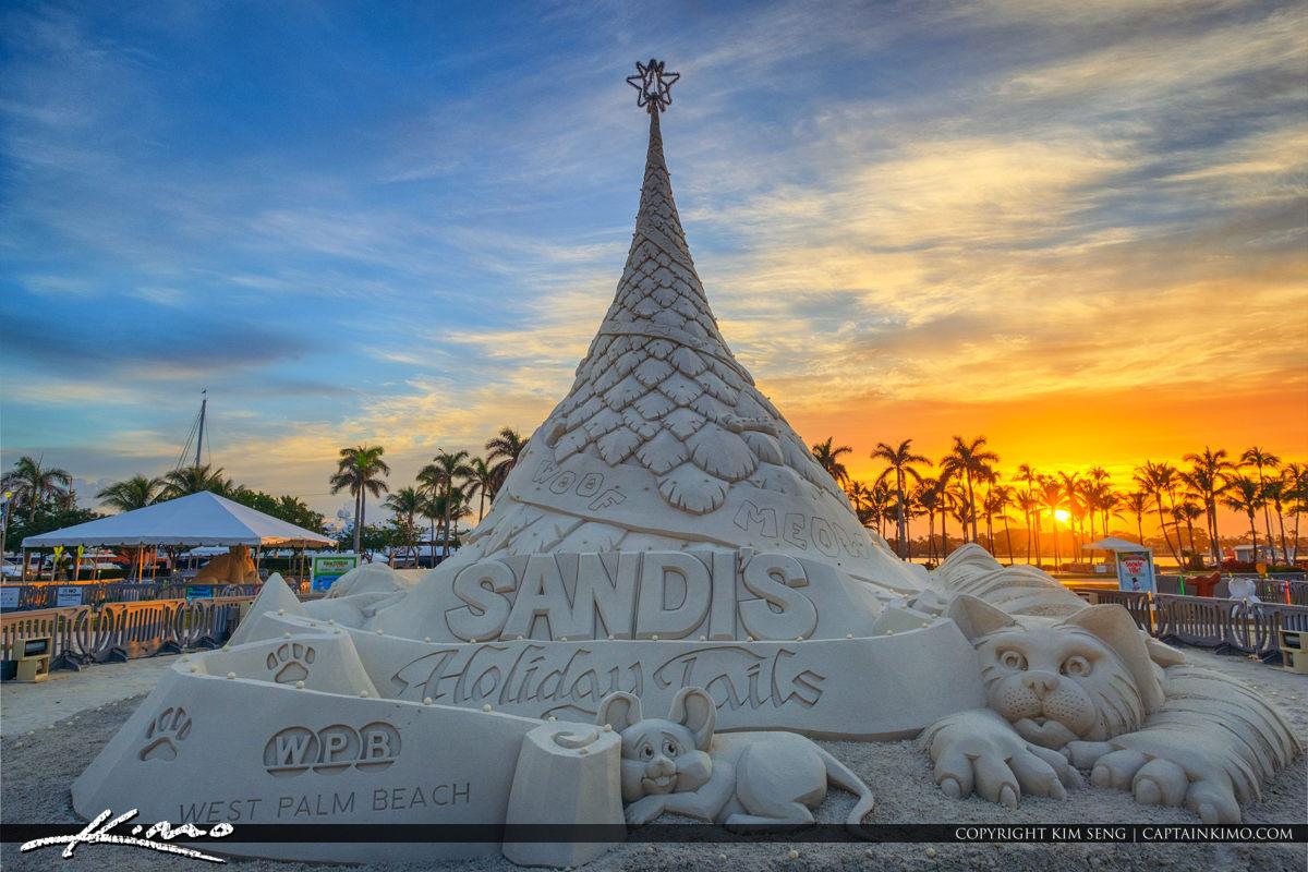 Sandis Holiday Tails Christmas Tree 2017