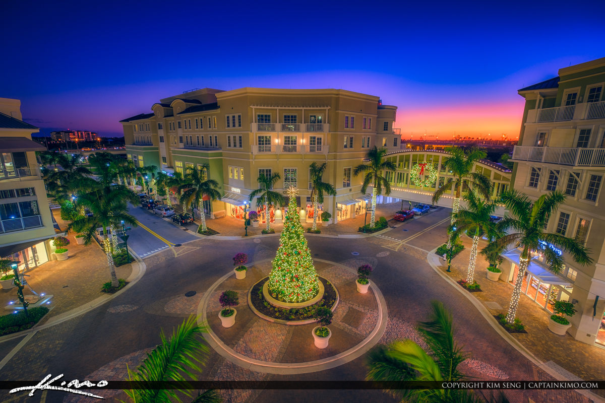 Harbourside Place Christmas Tree Jupiter Florida 2017