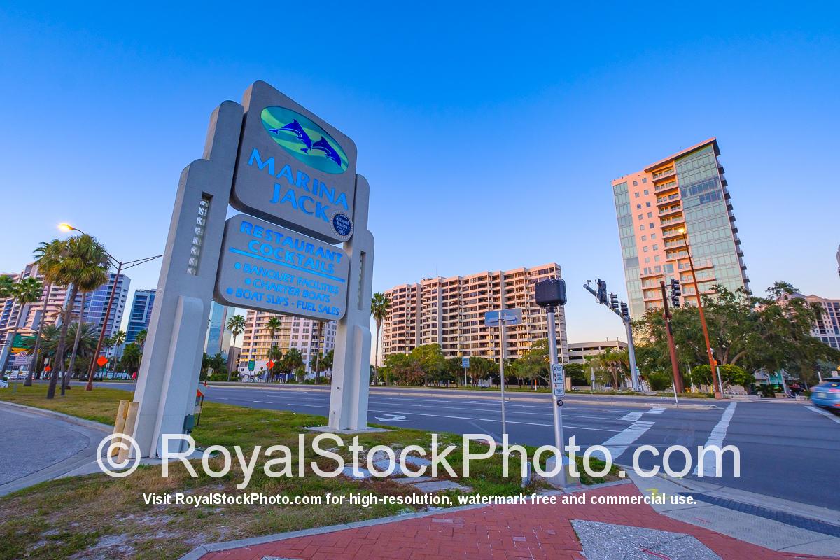 Sarasota Bayfront Marina Jack Restarunat Cocktail Sign