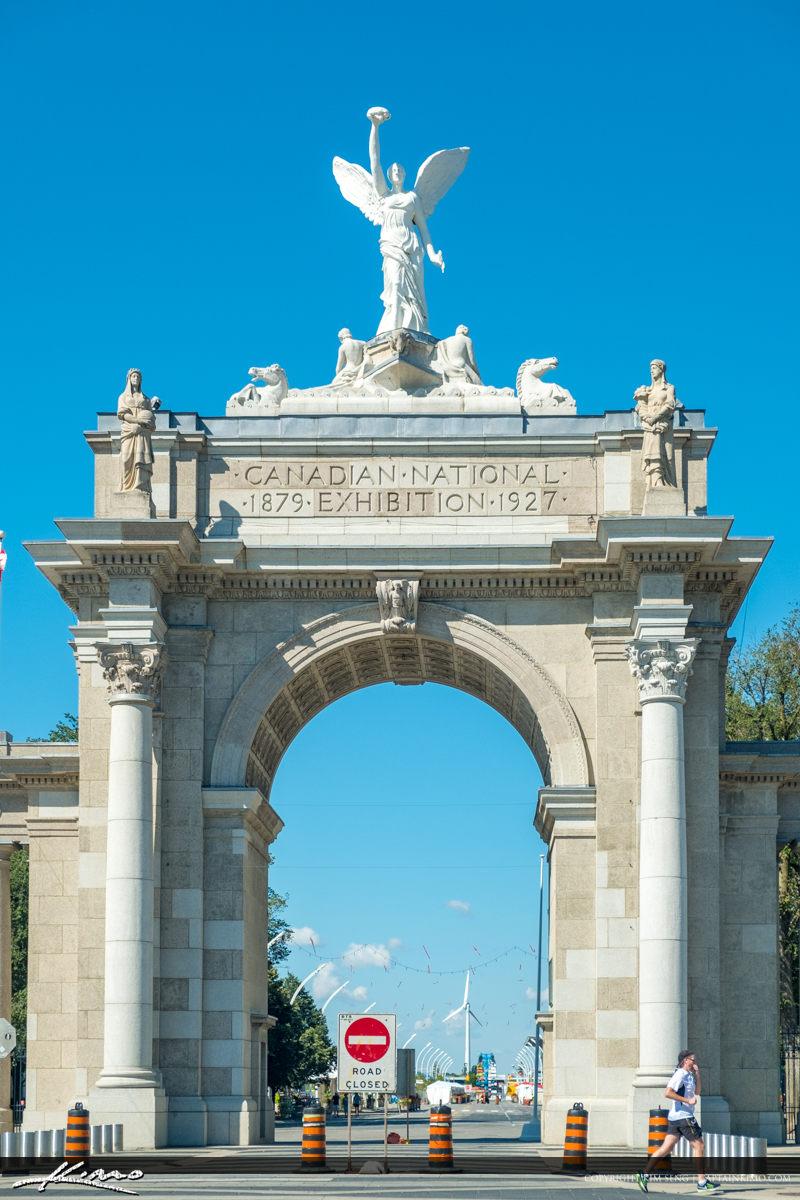 Statue Entrance Canadian National Exhibition Place Princes Gates