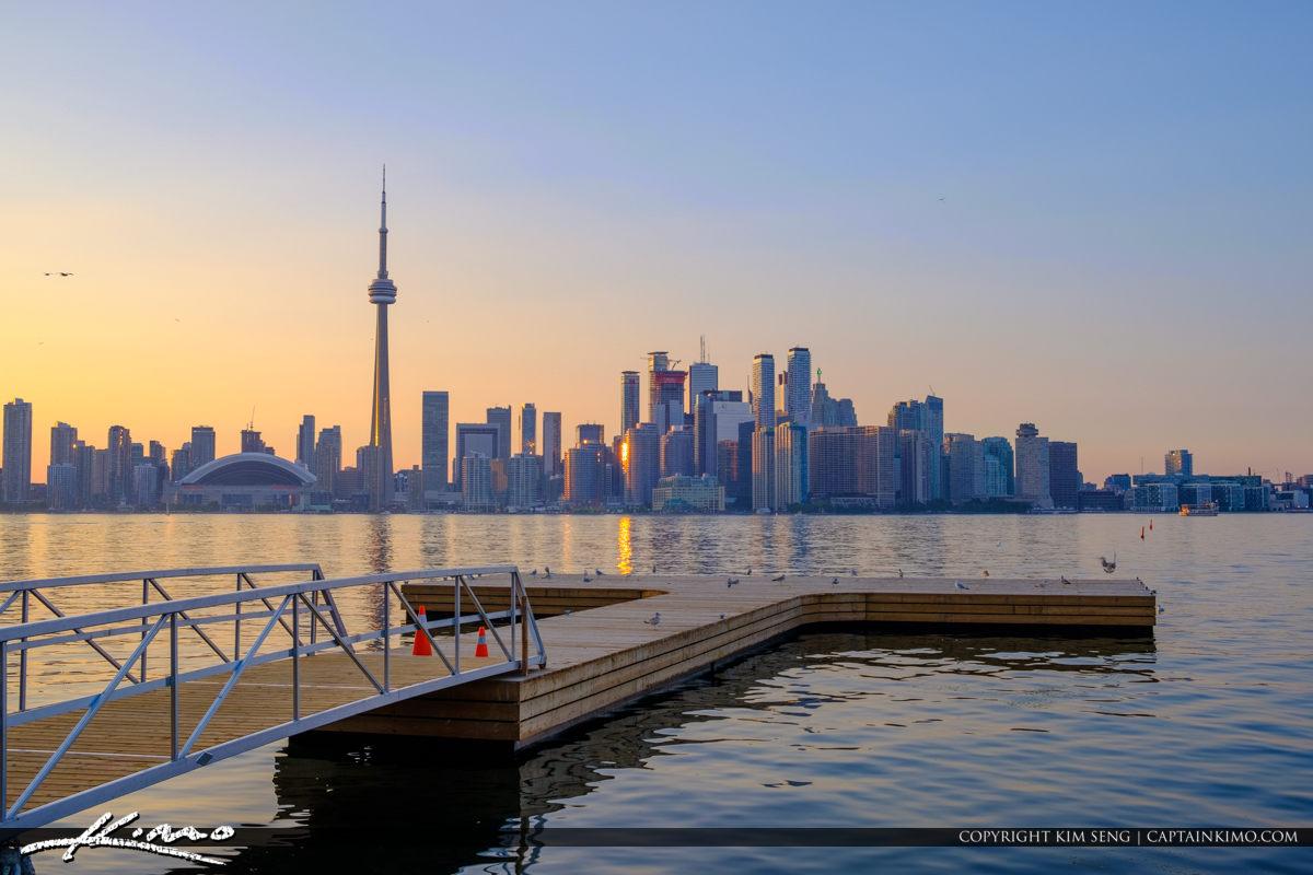 Upclose Cn Tower Centre Island Skyline View Toronto Canada Royal Stock Photo