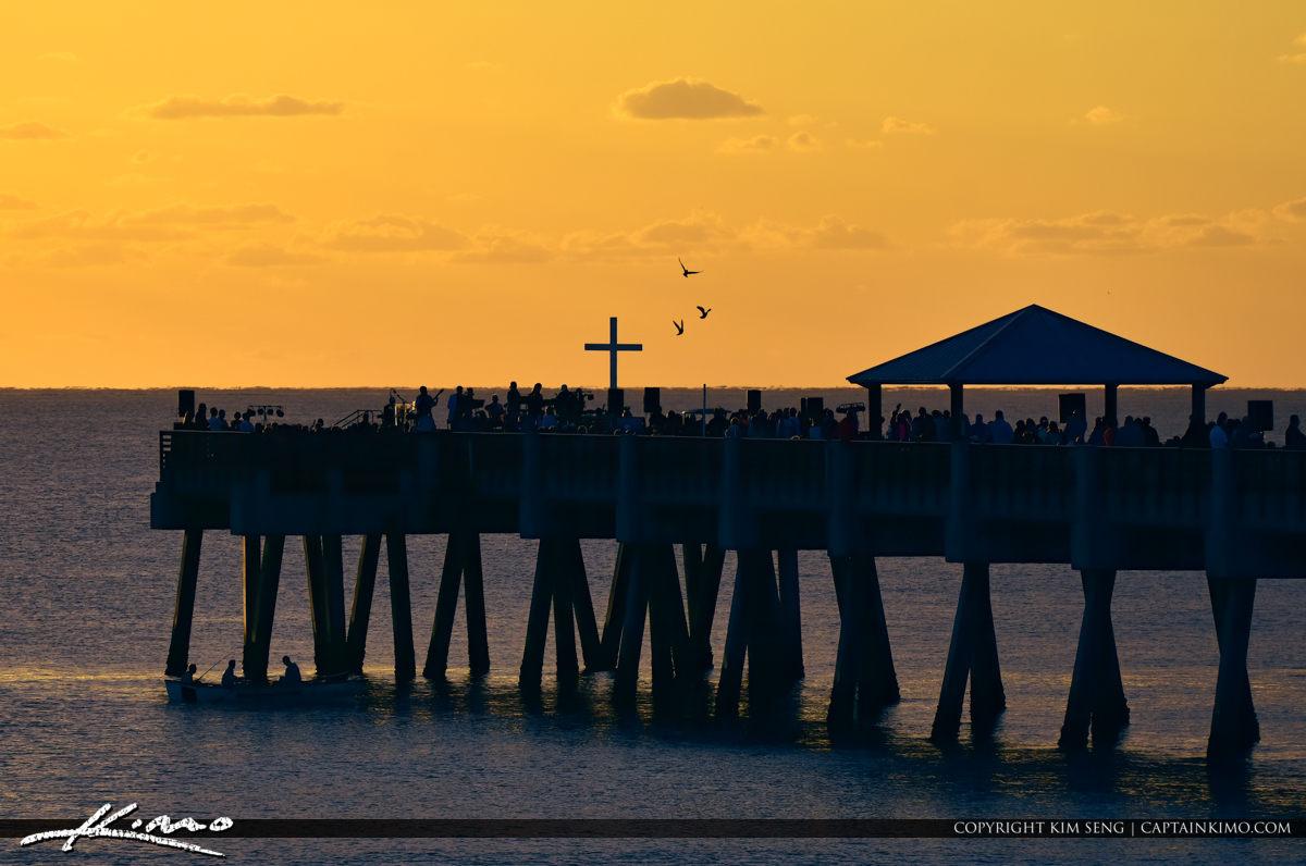 Juno Beach Pier Easter Sunset Pigeon Inflight