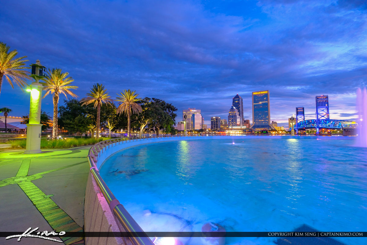 Friendship Park Downtown Jacksonville at the Fountain