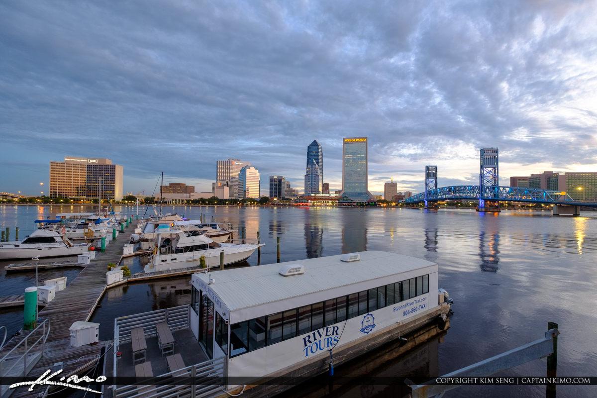 x022x-Jacksonville-Marina-and-Skyline-View-Florida