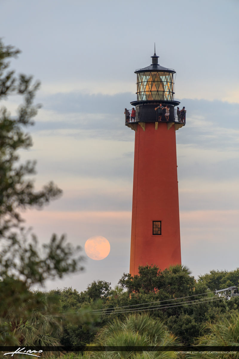 Fullmoon Rise Jupiter Florida at Lighthouse