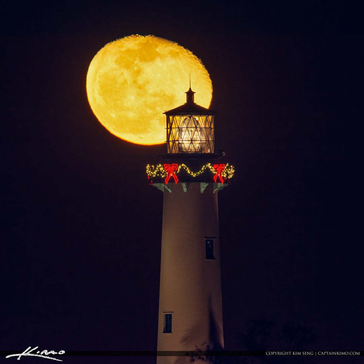 December 14 2019 Moonrise Jupiter Lighthouse