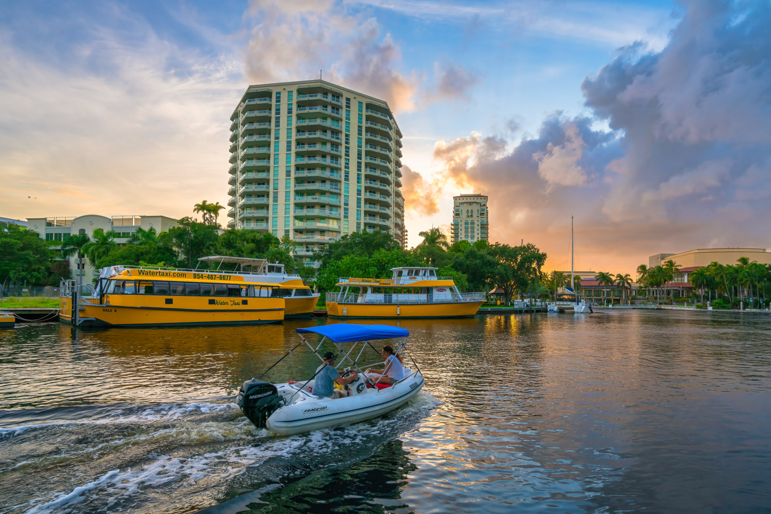 New River Downtown Fort Lauderdale Yellow Taxi