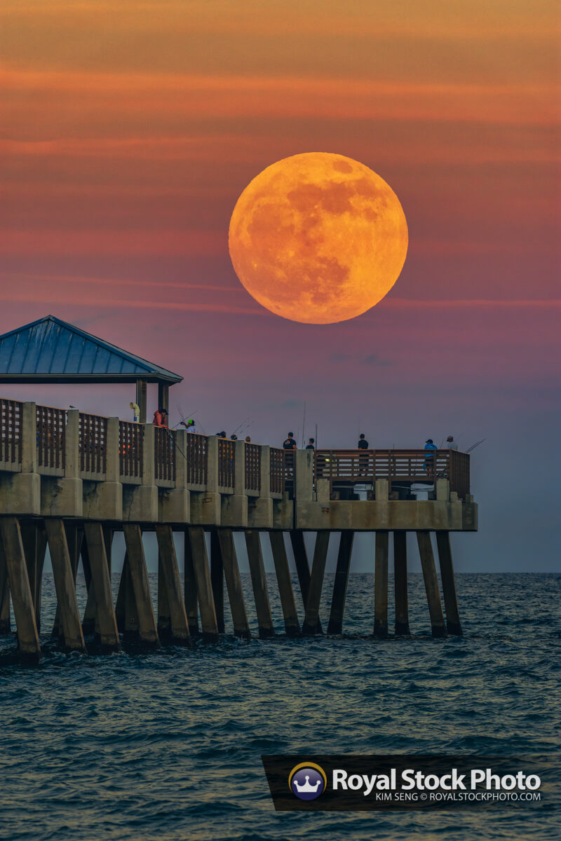 Juno Beach Pier Moon Rise Thanksgiving Week 2020